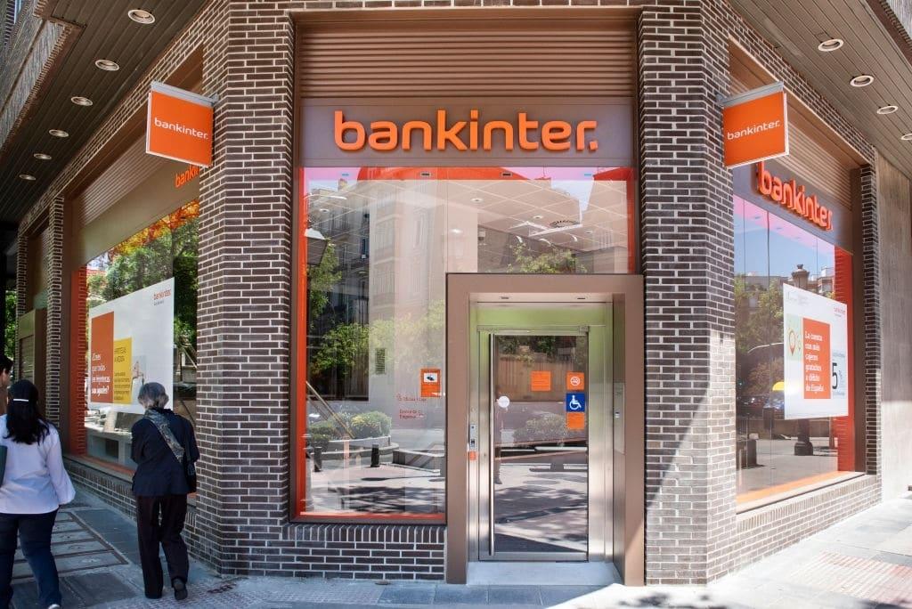 Puedes abrir la cuenta nómina Bankinter en una oficina o por internet.