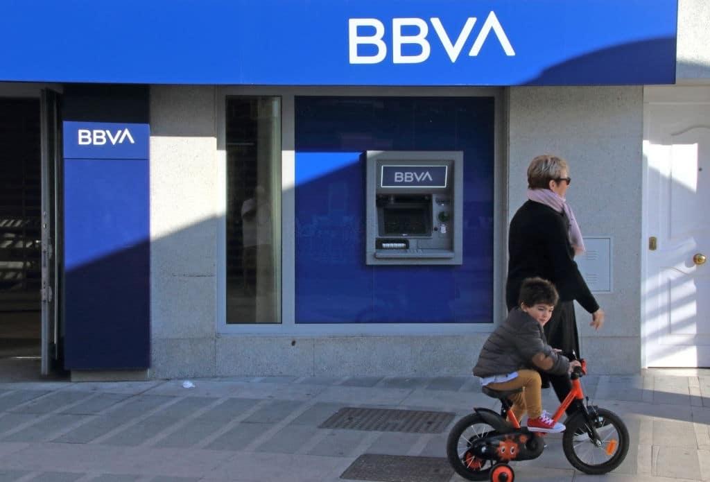 BBVA ofrece cuenta que permite dos titulares.