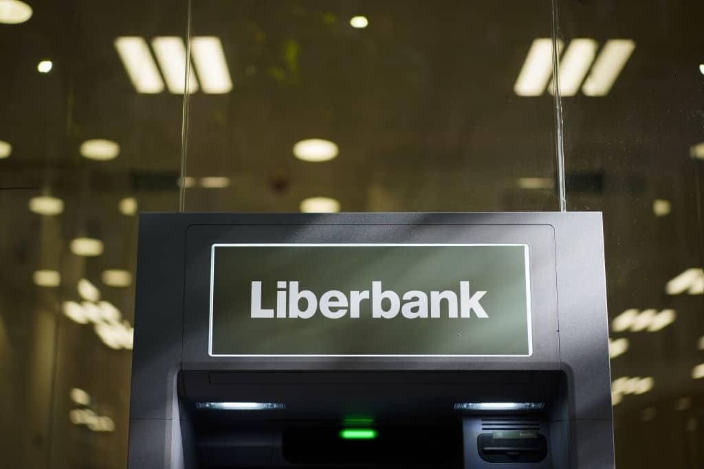 Liberbank ofrece la cuenta Online Sin que no exige domiciliar nómina.