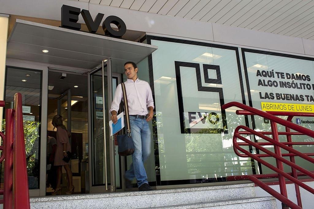 La cuenta joven de Evo Banco es para menores de 25 años.